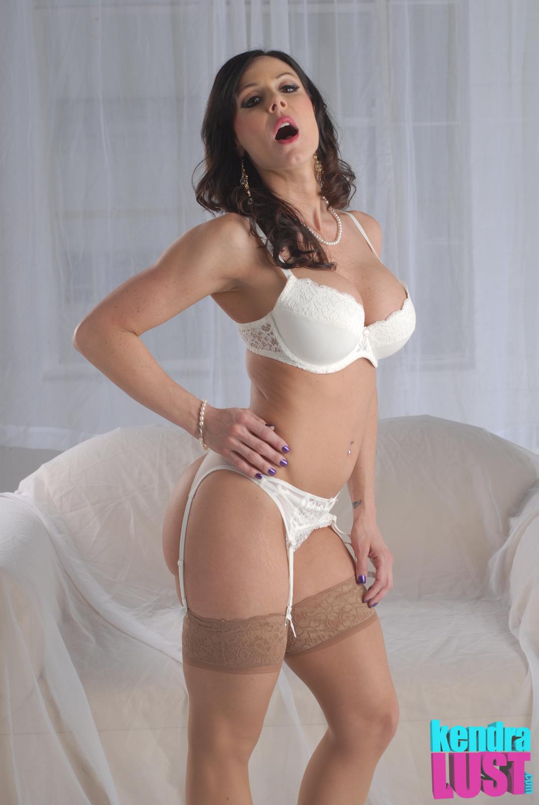 Sexy latino pussy masterbation