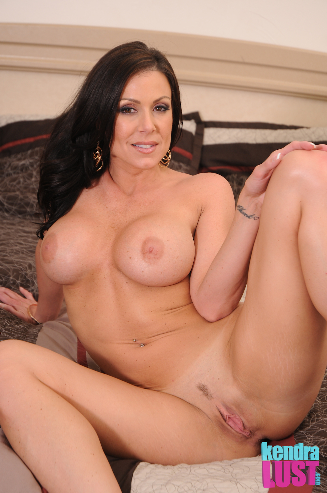 Kendra lust lust for three 2 of 3
